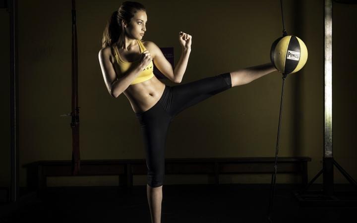 exercise_girl_sport_81262_2560x1600