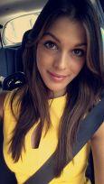 miss-iris-in-car
